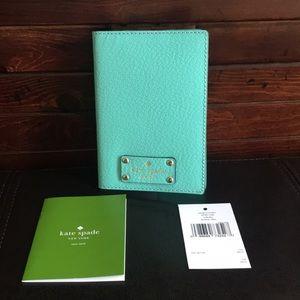 NWT Kate Spade Wellesley Passport Holder